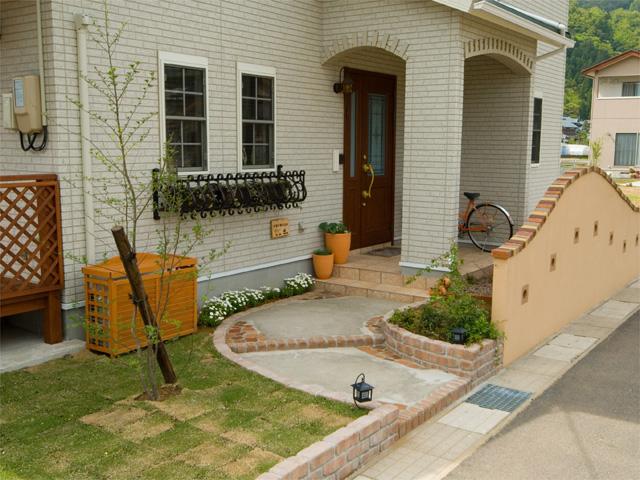 ガーデン エクステリア 緑香庭の施工例写真 4 エクステリア ウッドデッキなどガーデニングのリフォームガーデンクラブ